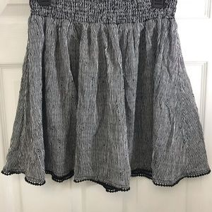 Old Navy Striped Skirt. Size: M